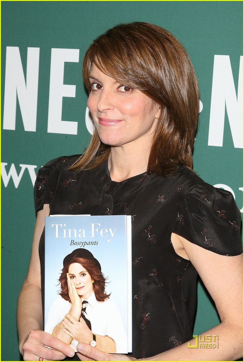 "Tina Fey Signs Copies Of ""bossypants"""